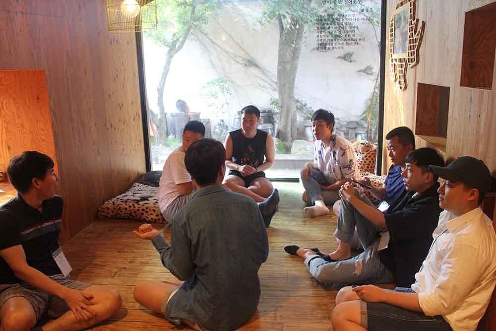 2019 친구사이 모꼬지에 모인 회원들의 모습.